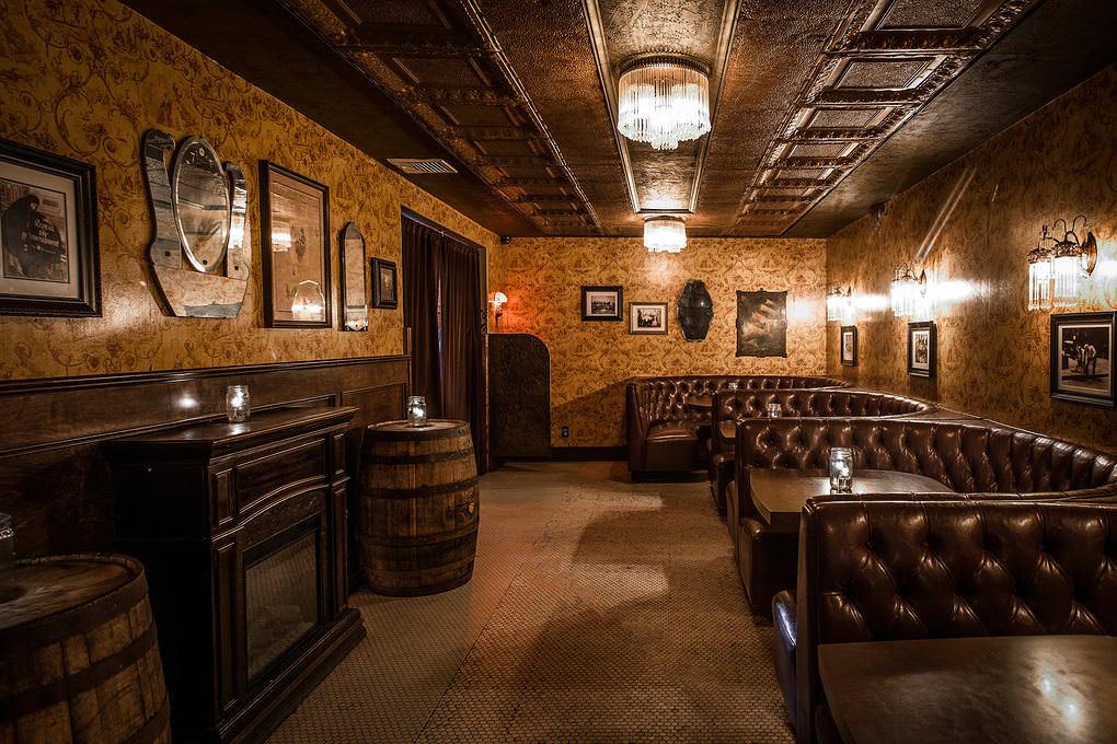 Townhouse bar in venice beach