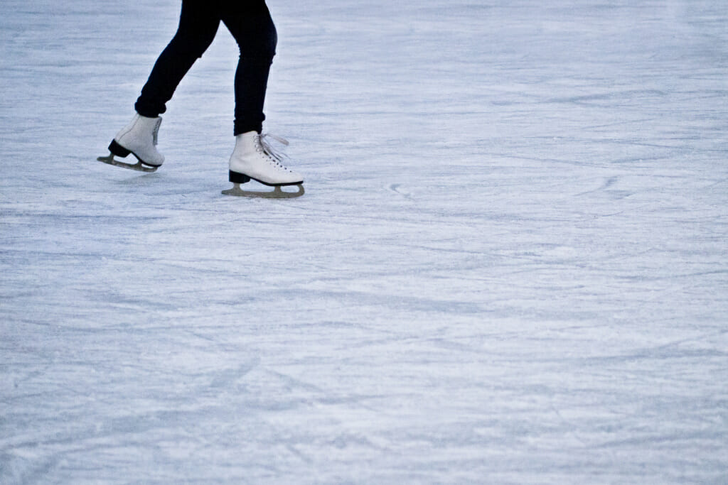 Cute Date Ideas for Wintertime in Los Angeles:ice skate