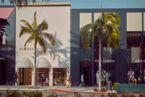 los angeles famous places to visit shopping along rodeo drive