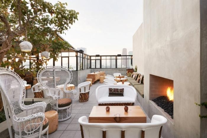 rooftop-bar-at-upstairs-ace-hotel
