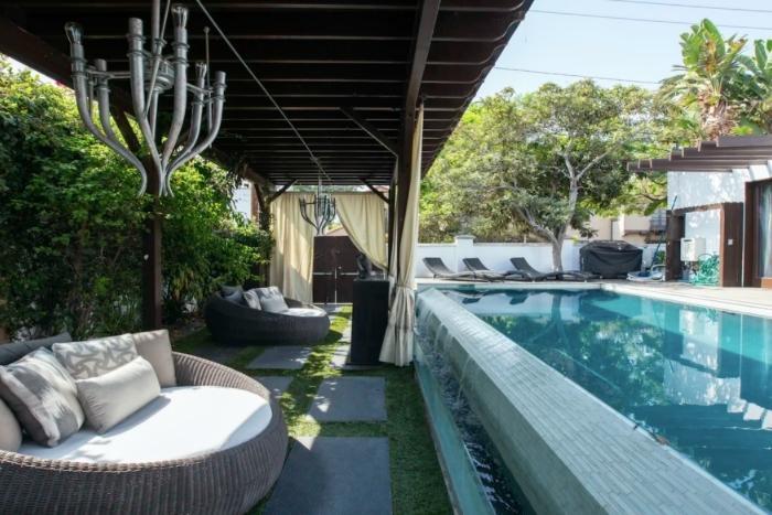poolside-at-moroccan-villa-for-birthday