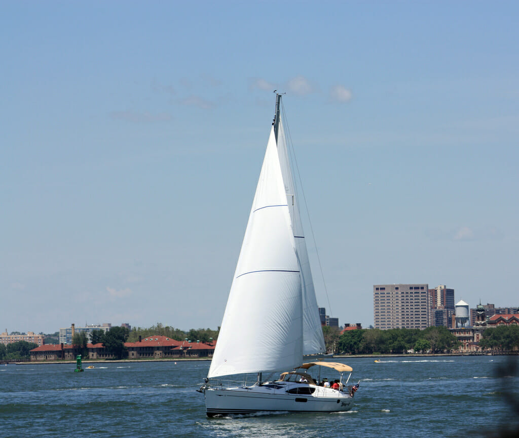 book a boat: Private And Intimate Birthday Party Ideas In NYC