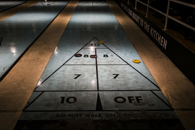 play shuffleboard-Best Places To Eat And Play Games in NYC