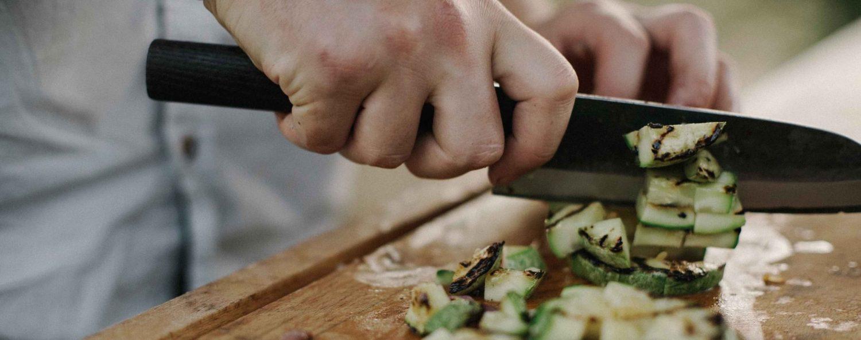 chef chopping vegetables chefinar