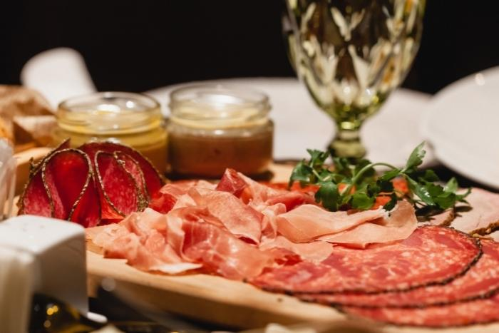 tray-of-prosciutto-during-nyc-food-tours
