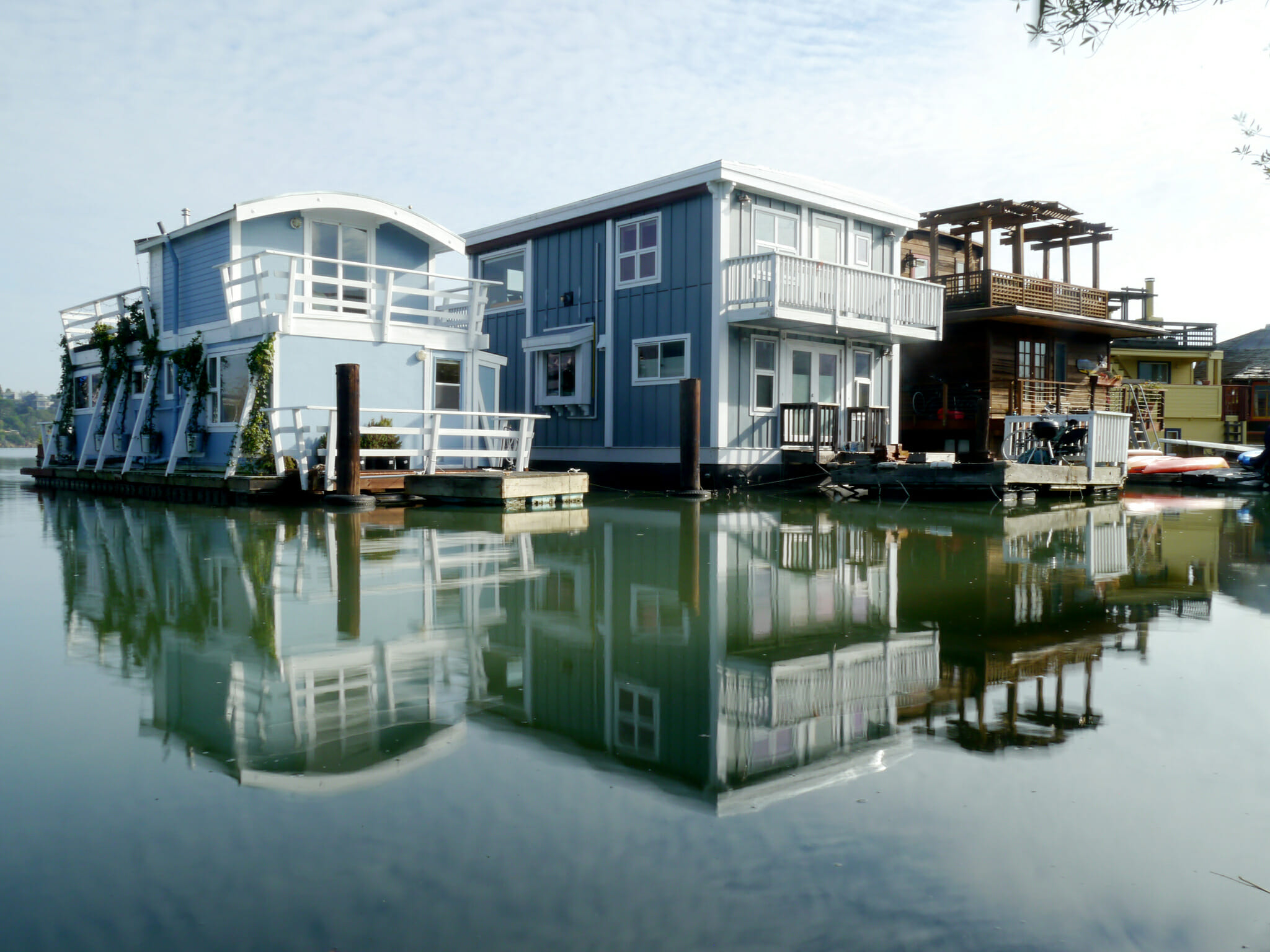 Our 5 Favorite SF Walking Tours: sausalito houseboat tour in SF