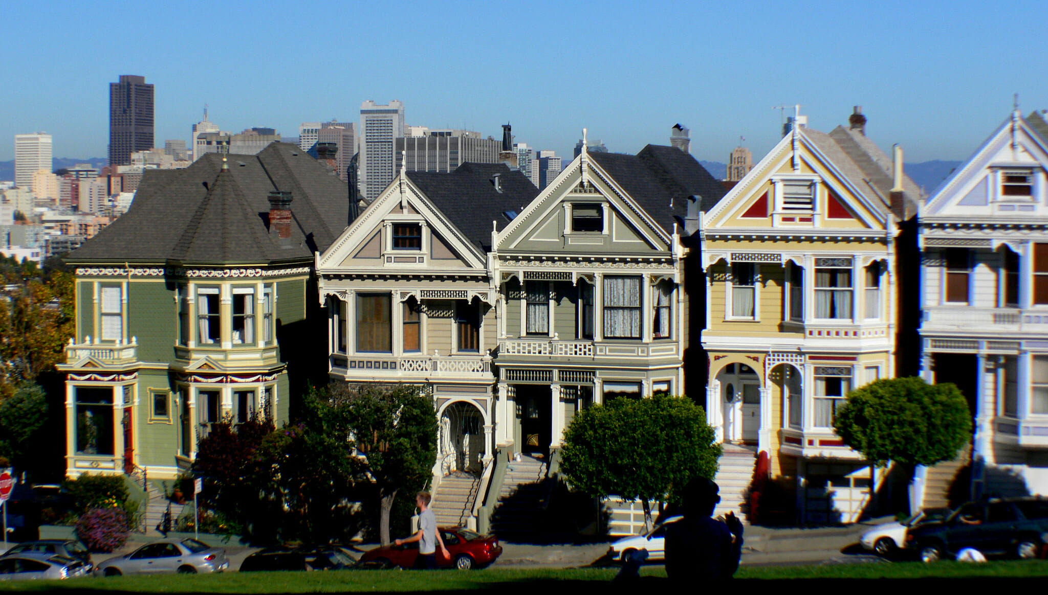 visit alamo square: SF walking tours