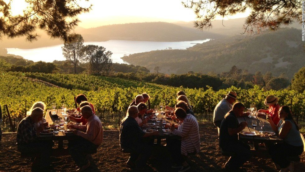 going wine tasting in napa is a 25th birthday party idea for you