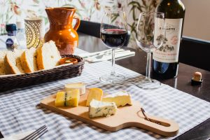 entertain clients virtually by wine tasting