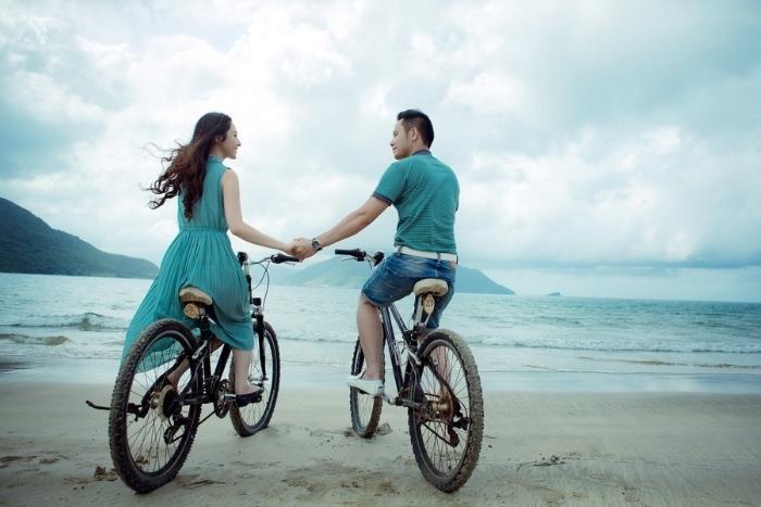 bike-tour-on-the-beach