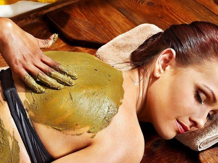 woman getting massage for 40th birthday quarantine ideas