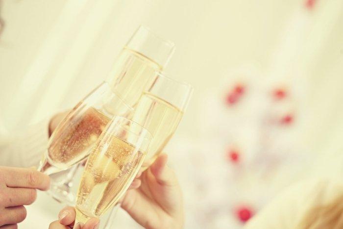 cheersing champagne
