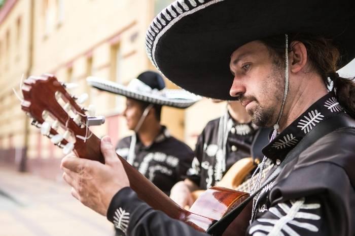 hire a mariachi band for virtual team building cinco de mayo