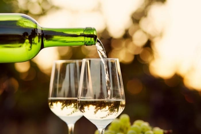 white-wine-tasting-for-virtual-happy-hour