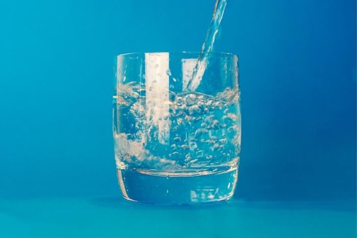 water-being-poured-into-glass-virtual-water-tasting