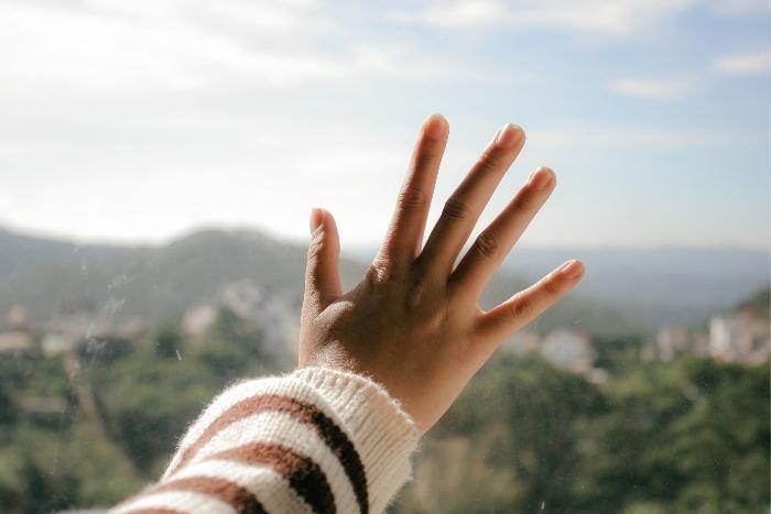 five-fingers-virtual-teambuilding-game