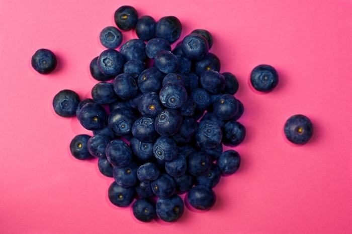 berries-with-pink-background-for-virtual-flavour-tripping