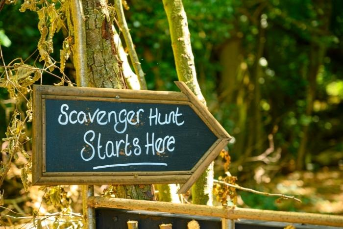 scavenger-hunt-sign-for-globally-distributed-teams