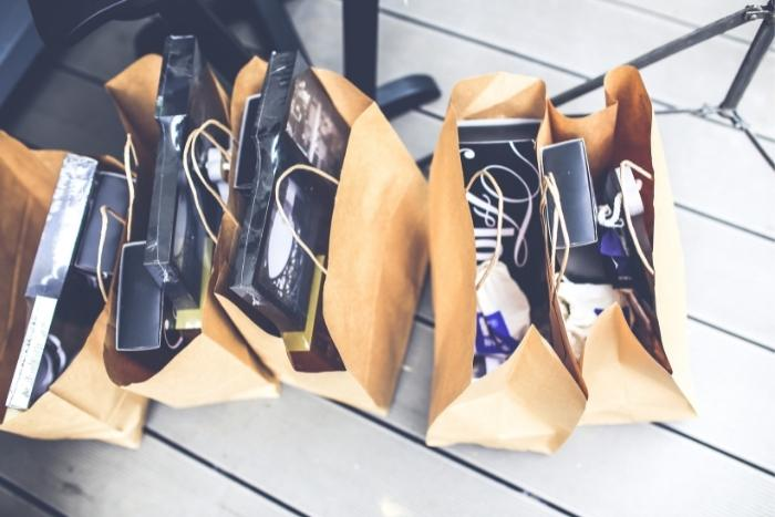 swag-bags-for-everyone-in-hybrid-conferences