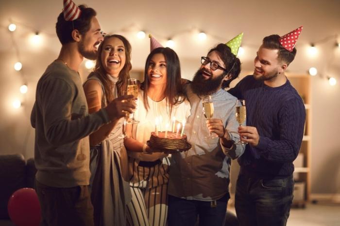 friends-celebrating-birthday-restaurant-san-francisco