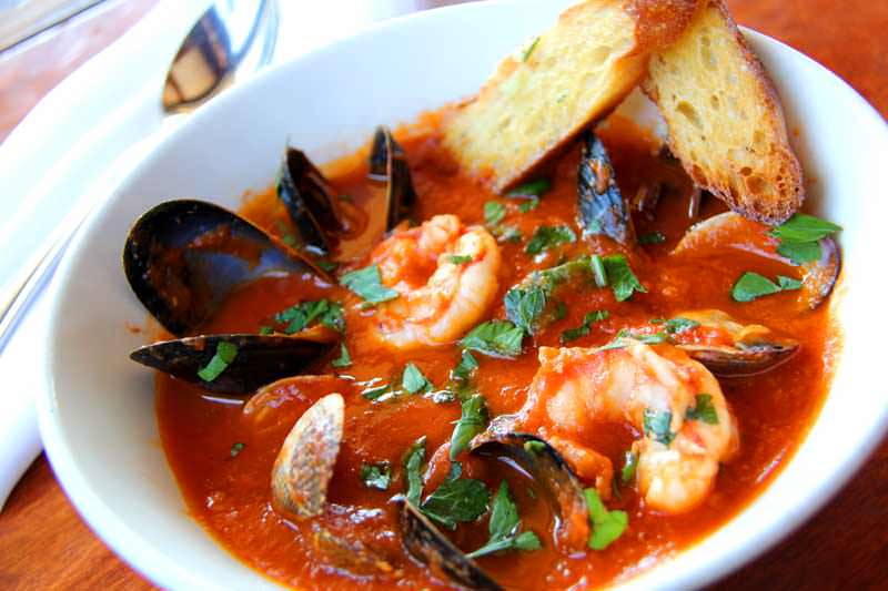 Cioppino recipe dishmaps for Alaskan cuisine history